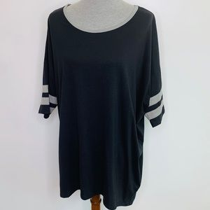 ⭐️3/$25⭐️ Lularoe Black Irma tunic top plus size